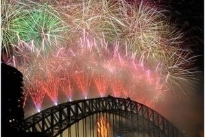 告別多災多難2010 世界各地跨年迎2011