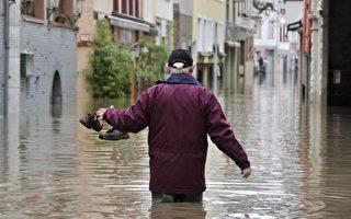 融雪加雨水致德国河水上涨 汛情堪忧