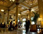 酒店业是目前复苏最快的行业之一,很多已经开始在大规模招聘了。(图片来源: NICHOLAS KAMM / 2009 AFP)