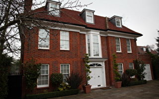 英國呼籲卡扎菲下台 凍結財產取消豁免權