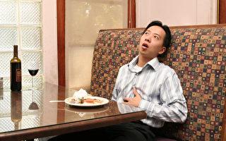 吃太多喝太饱   如何帮助自己好消化