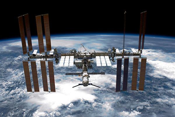 【影片】美太空人搭乘「龍飛船」返回地球