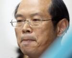 台湾前陆军少将罗贤哲因间谍、收贿等罪,被判处无期徒刑,褫夺公权终身。图摄于2008年4月24日台北议会的公听会(AFP PHOTO / Frank WANG)