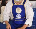 淮扬菜选手张添财表示,新唐人厨技大赛能让厨师吸取更多厨艺方面的知识。(摄影:宋碧龙/大纪元)