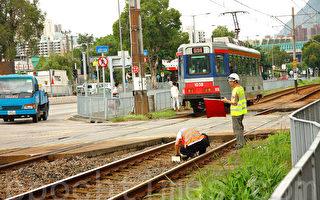 港輕鐵私家車相撞女司機亡