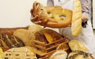 農委會10日召開記者會,公布台南區農業改良場推出糙米新品種「台南15號」,營養品質比一般糙米高,農改場並研發米麵包等,希望帶動米食風潮。(攝影: 林伯東 / 大紀元)