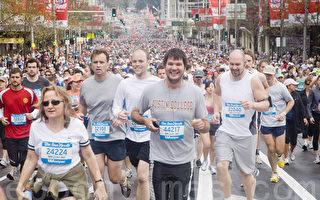 組圖:「世界之最」 悉尼8萬5民眾雨中長跑