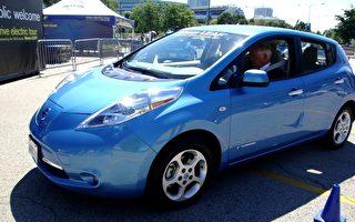 尼桑LEAF全电力车进驻伊州 州长祝贺