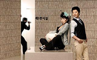 金宣儿李东健赴日拍戏泡汤 吸引粉丝围观