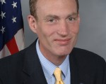 密歇根州美国国会众议员Thaddeus G. McCotter先生 (赛迪斯‧麦考特议员办公室提供)