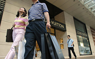 国内消费疲弱 大陆人黄金周海外撒钱奢华不败