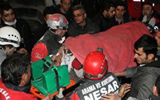 专家估:土耳其震出19公里地壳裂缝