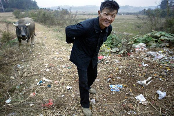 中共開始徵收農村宅基地費用 五億農民成韭菜
