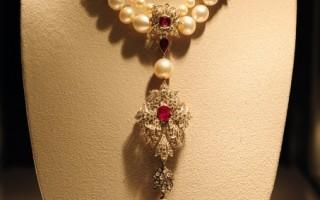 組圖:玉婆珍珠 千萬美元天價拍出