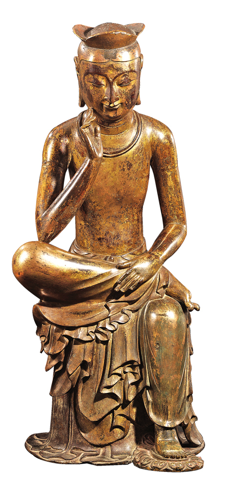金銅半跏思惟像(國寶 83號,公元7世紀。高 93.5cm)半跏思惟像展現的是將繼悉達多太子(釋迦牟尼)之後,56億年以後拯救世界的彌勒像的形象雕像,是將南北朝時期中國的樣本,在6、7世紀之際,由3國時代的名匠們,以韓國民族的美感完成的佛像藝術品。(國立中央博物館提供)