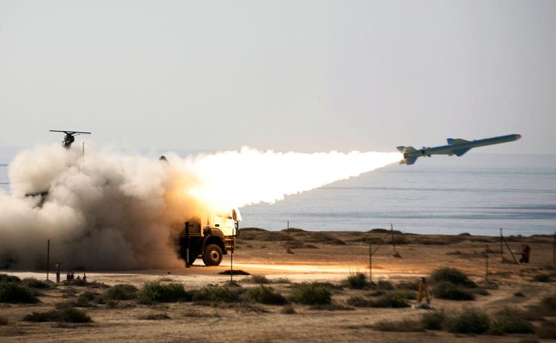圖為伊朗曾試射的地對艦Ghader(能力)導彈。Ghader導彈的射程約為193公里,一般被視為中程。(AFP)