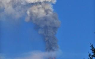 欧洲最高意大利埃特纳火山喷发