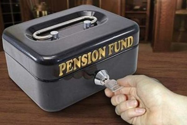 從401k退休金帳戶借款好嗎?專家:弊多於利