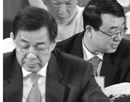 """""""薄熙来请辞""""热词不降温 王立军续集正发酵"""