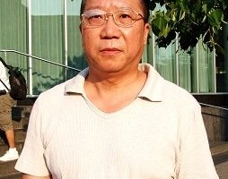 卞和祥:刘醇逸竞选财务主管侯佳被捕 警示亲共侨团