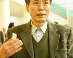 医师李成河观赏神韵演出后身心愉悦(摄影: 金国焕 / 大纪元)