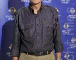 车材公司董事长陈显荣观赏2012年3月28日晚间神韵纽约艺术团在台中中山堂的演出。(摄影:苏玉芬/大纪元)