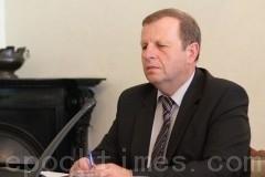 捷克参议院和人权委员会决议:结束迫害法轮功