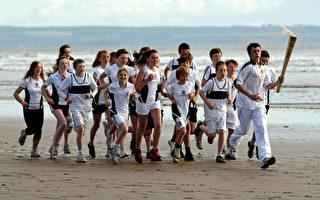 伦敦奥运火炬传递第26天:圣安德鲁斯--爱丁堡