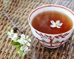 碎銅茶與斷裂的銅錢