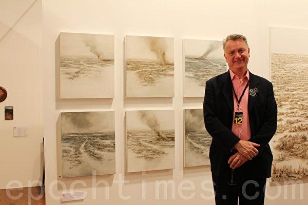 來自悉尼的Damien Minton畫廊(Damien Minton Gallery)的擁有者Damien Minton先生。(攝影:劉珍/大紀元)