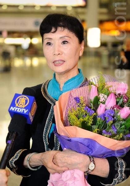 「全世界中國舞舞蹈大賽」亞太賽區初賽主評委張鐵鈞說,來到香港的感覺很好,相信大賽一定能夠成功。(攝影:宋祥龍/大紀元)