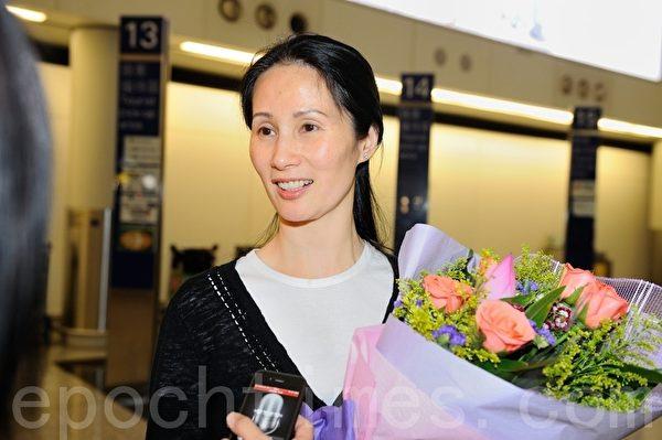 發言人李維娜說,大賽在香港舉行意義非凡,並對今次參賽選手表示佩服。(攝影:宋祥龍/大紀元)