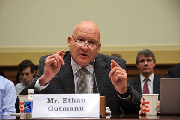 """9月12日下午﹐美国国会举行以""""中共活体摘取宗教与政治异议人士的器官""""为主题的听证会。图为Ethan Gutmann发言。((摄影﹕文忠/大纪元)"""