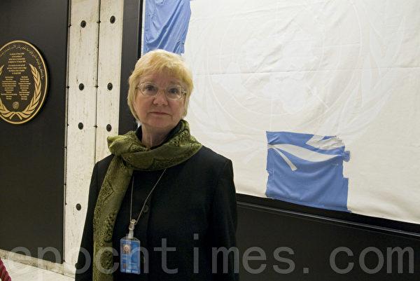 國際教育發展組織(International Educational Development, IED)的首席代表帕克(Karen Parker )博士9月18日在聯合國人權大會上提出緊急呼籲:聯合國人權理事會要將活摘法輪功學員器官作緊急要務調查。(攝影:董韻/大紀元)