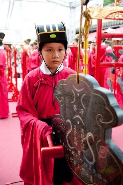 台北市政府28日在孔廟舉行「釋奠典禮」,典禮依照古禮進行,過程莊嚴肅穆。(台北市政府提供)。(台北市政府提供)