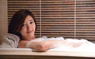 郭雪芙洗泡泡浴 洗澡唱歌一個半小時