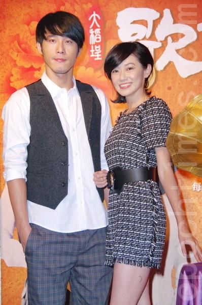 黃騰浩為新劇苦練鋼琴扮音樂家,與飾演台灣第一代女歌手純純的周幼婷有感情戲。(攝影:黃宗茂/大紀元)