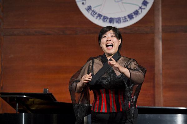 "图﹕来自日本的选手女高音Azusa Dodo在复赛上演唱""L´altra note infondo al mare from Mefistofele By A.Boito""和""In questa reggia from Turandot By G.Puccini ""。(摄影﹕戴兵/大纪元)"