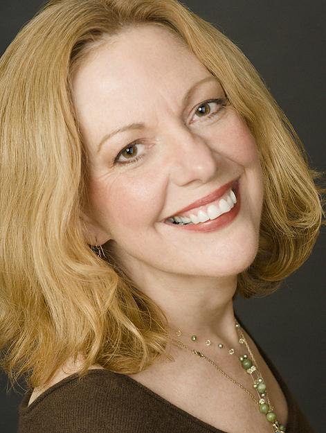 大赛评委、著名歌剧艺术执导和钢琴伴奏师奥尔森(Katherine Olsen)。(网络图片)