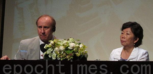 瓜地馬拉瑪雅專家Richard Hansen(左)、輔仁大學西班牙文系副教授孫素敏(右)。(攝影:鍾元/大紀元)