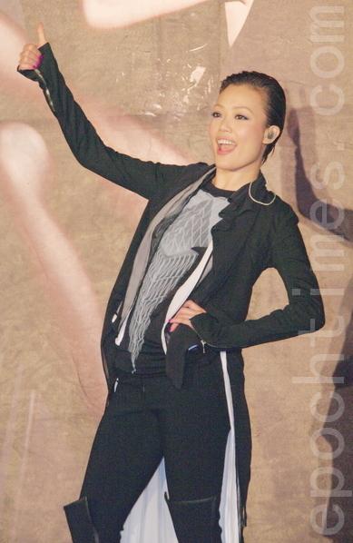 容祖兒的偶像劉青雲奪得金馬影帝,她說得知喜訊馬上就在微博送上祝賀。圖為容祖兒資料照。(攝影:黃宗茂/大紀元)