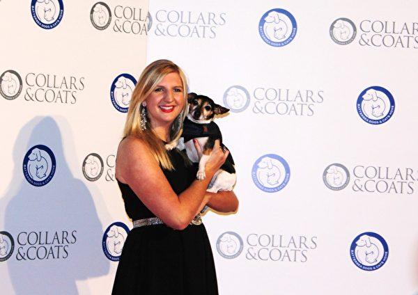 英国最著名的游泳奥运金牌得主瑞贝卡•阿德林顿(Rebecca Adlington)现身巴特西猫狗之家筹款晚会(摄影:李景行/大纪元)