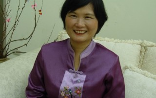 在旅行社服務長達二十多年的劉惠娟。(攝影:子嫣/大紀元)