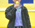 香港民主黨社區主任周偉東表示,希望我們每一個香港市民團結一起抗拒中共的赤化,中共的滲透,也希望捲在其中的公務員、警察看一看法輪功是甚麼,了解中共的真正面目到底是甚麼樣的,可以看看《九評共產黨》。(攝影:宋祥龍/大紀元)