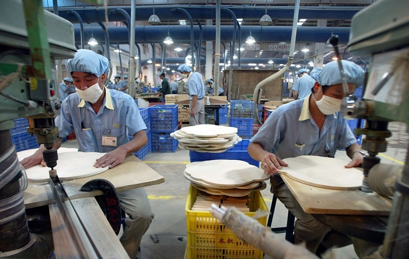 貿易戰衝擊陸企 東莞工廠發佈放假通知