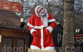 在冬季游乐园门前的圣诞老人非常可爱。 (摄影:李景行/大纪元)