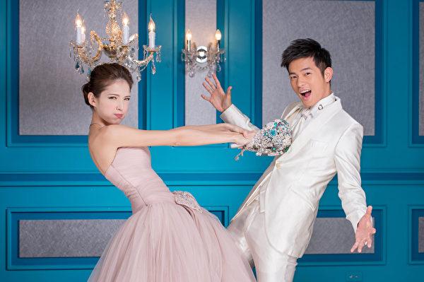 藝人宥勝、許瑋甯展現專業肢體語言,拍攝出不同質感婚紗照。(圖/福斯國際電視網提供)