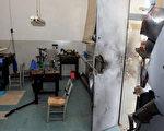 2012年12月30日,巴西卡堤波拉城约200警察缉捕一群试图抢劫珠宝工厂的武装劫匪。图为经历枪战后的珠宝工厂。(Fabiano do Amaral/AFP)