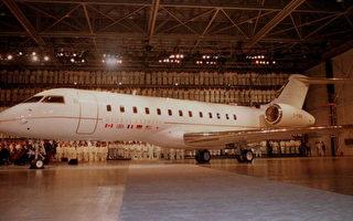 據傳,阿根廷總統費南德茲因債台高築擔心座機一飛出國就會被扣押抵,因此秘密砸62萬2000英鎊,向英國公司租用龐巴迪公司「全球快車系列」噴射機(Bombardier Global Express),供即將成行的亞洲訪問使用。(CARLO ALLEGRI/NOSOURCE/AFP)