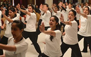 組圖:印度強姦案頻傳 女員工學習防身術